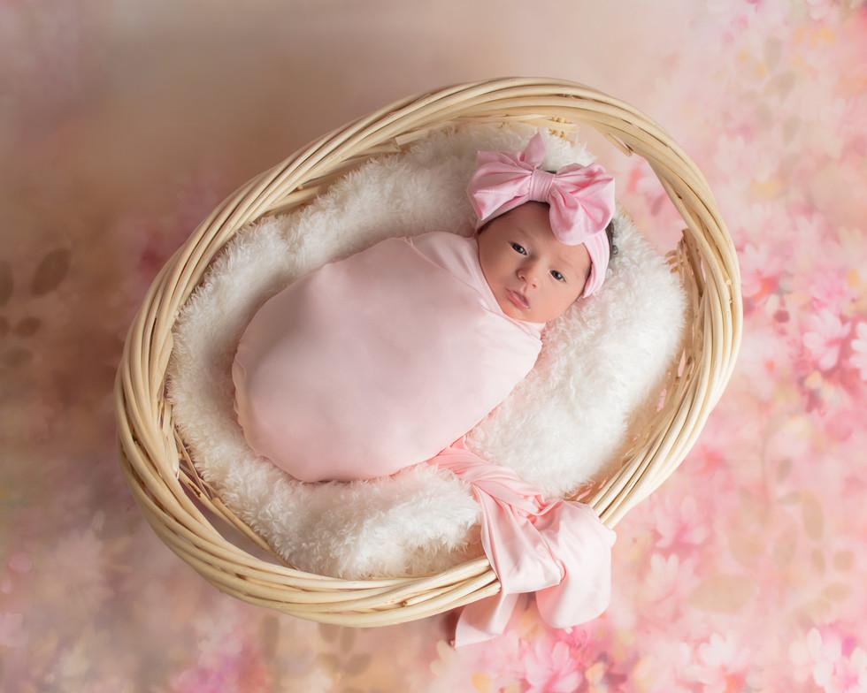 Isabella Newborn-10.jpg
