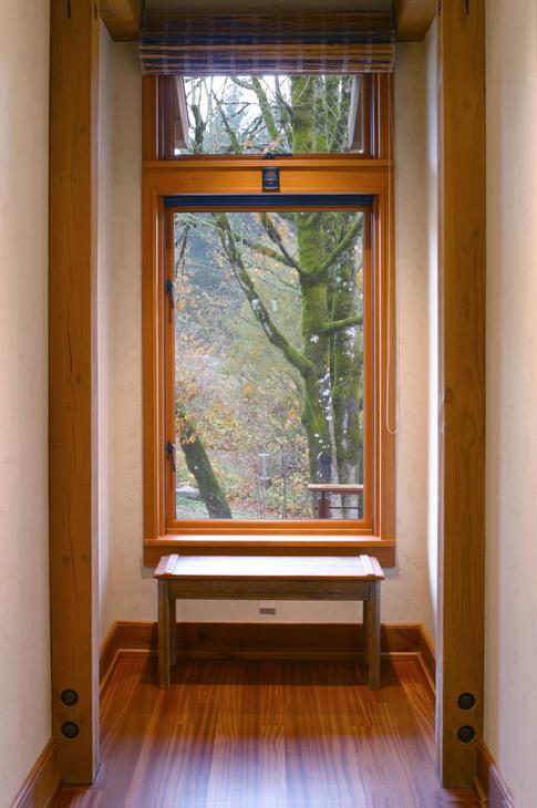 hall end window.TIF