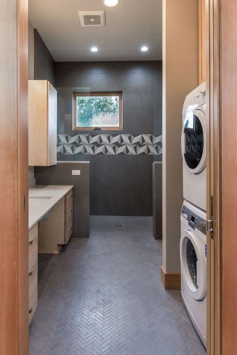 bathroom1-2.jpg