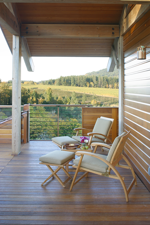 upper rear porch.TIF