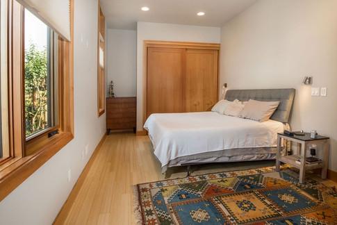 m.bedroom.jpg