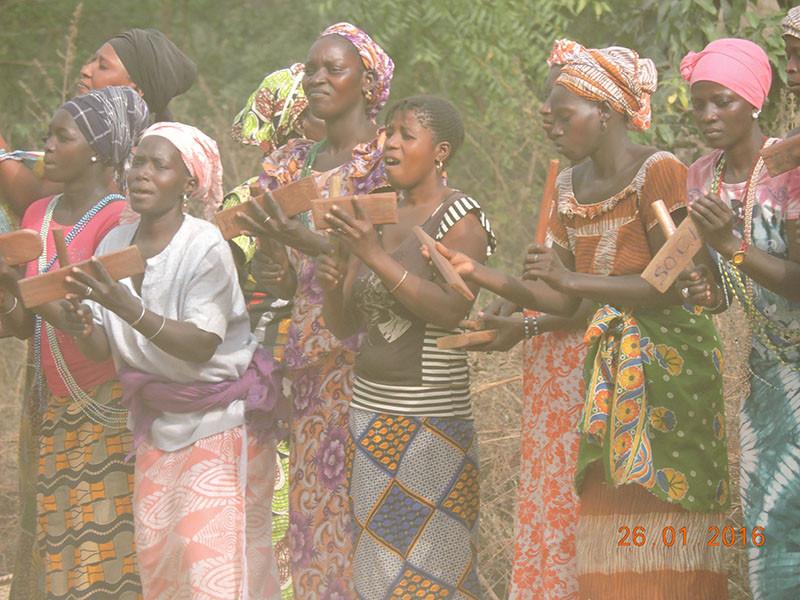 N°_3_les_femmes_assurent_les_percussions