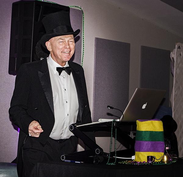 Finger-poppin' DJ