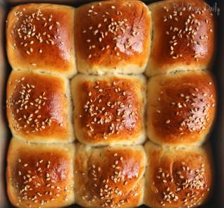 Basic dinner rolls