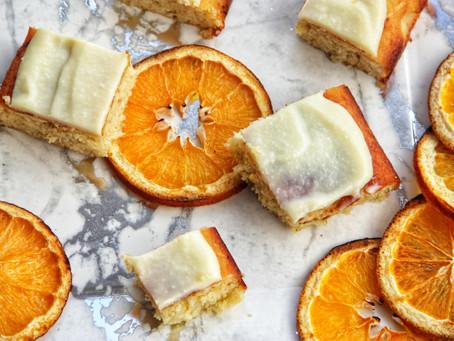 עוגת תפוזים ארומטית במיוחד בציפוי שוקולד לבן ללא גלוטן, פליאו