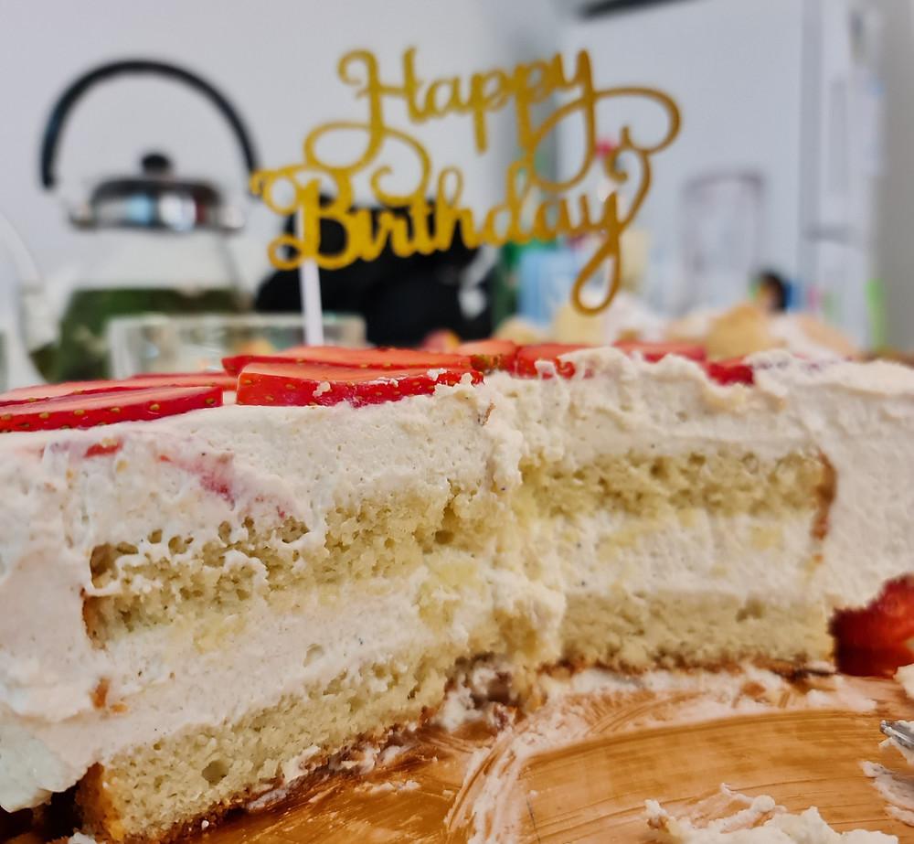 עוגת וניל מסקרפונה ותותים דרך טבע, עוגת ללא גלוטן, עוגה פליאו, מסקרפונה, וניל