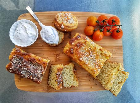 לחם שמרים בליווי מטבל גבינה פליאו, ללא גלוטן