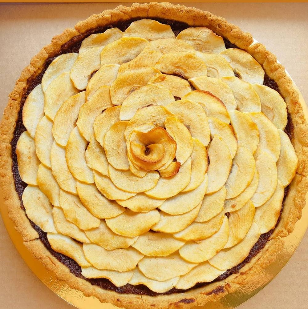 פאי, קיש, תפוחים, תפוחים מקורמלים, מניפה, מניפת תפוחים, ללא גלוטן, פליאו, צליאק, קמח דרך טבע, קמח כחול