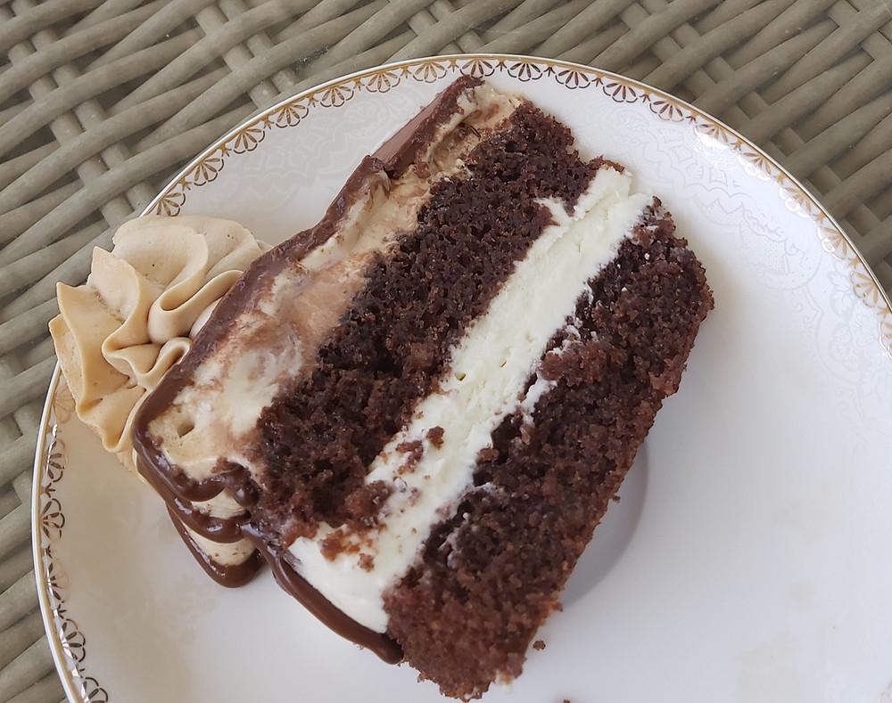 עוגת שכבות, עוגת יומהולדת, ללא גלוטן, עוגה ללא גלוטן, עוגת יומהולדת ללא גלוטן, עוגת שכבות ללא גלוטן, עוגת שכבות מרשימה, עוגה מרשימהקצפת קפה, גנאש שוקולד לבן, גנאש מוקצף