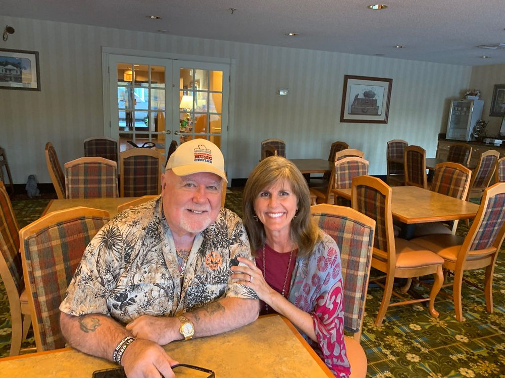 Renfro Valley Entertainment Center, Mount Vernon KY, Mickey Gilley, Johnny Lee, Gilley's, Branson MO, Looking for Love, Room full of Roses