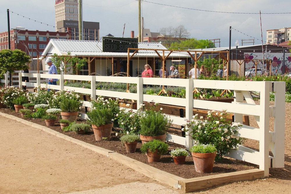 Magnolia Market at the Silos,Magnola Seed and Supply,Waco Texas,HGTV,Fixer Upper