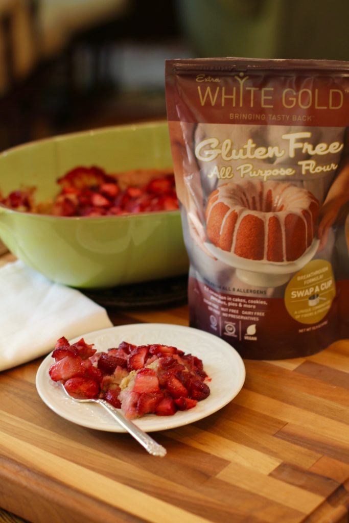 White Gold Gluten Free Flour, strawberry cobbler, gluten free strawberry cobbler, gluten free