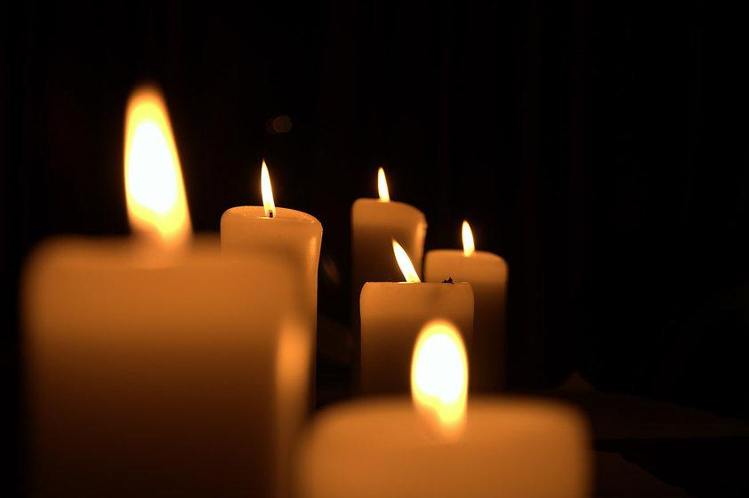 CandlesBurning.jpg