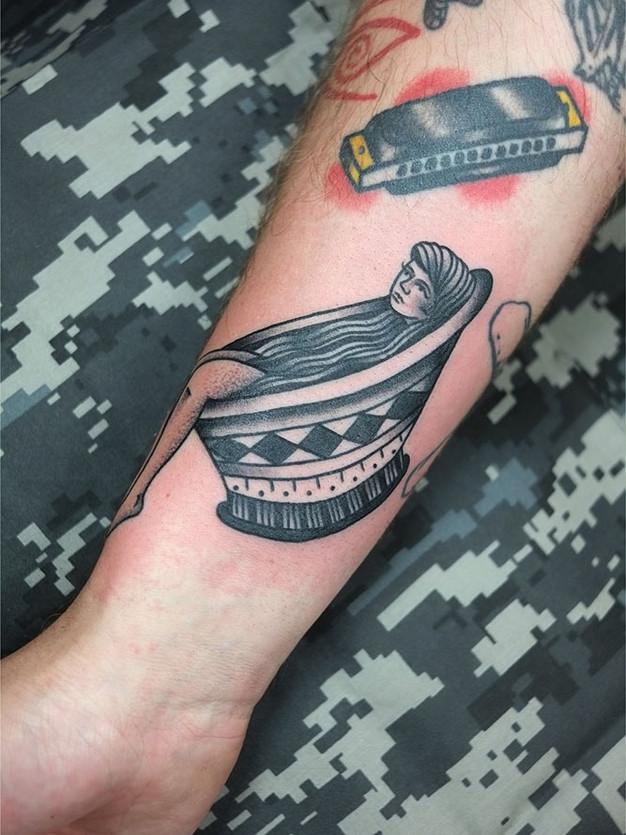 Bathtub Girl Traditional Tattoo