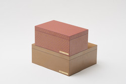 gold dot's pattern box