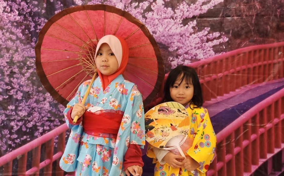 Japenese language culture week (Kids trying out Yukatas)