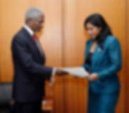L H Ratsifandrihamananana presents crede