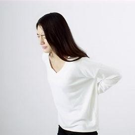 Comment soulager les maux de dos. Exercices pour soulager les maux de dos. Pilates et maux de dos. Essentrics et maux de dos. Étirement pour réduire les douleurs aux dos.