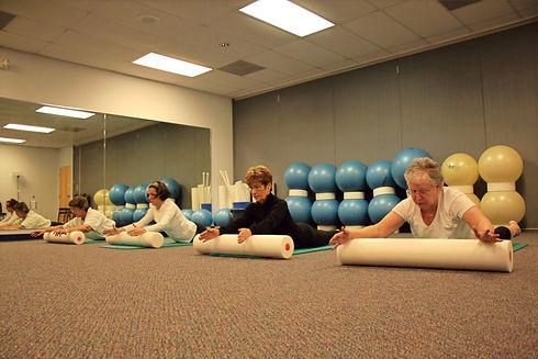 Vieillir en santé. Vieillir en beauté. Exercice pour senior. Exercice pour 60 ans et plus. Pilates. Essentrics. Entraînement pour les femmes.