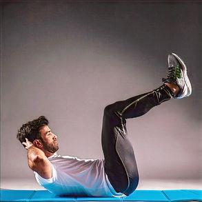 Pilates pour les athlètes. Pilates à la maison. Exercice pour les abdominaux. Comment renforcer son core. Cours de pilates en ligne. Pilates pour les sportifs. Pilates.