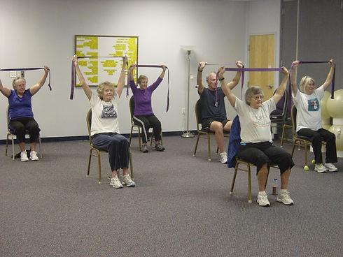 Vieillir en santé. Vieillir en beauté. Exercice pour rajeunir. Exercice pour 60 ans et plus. Pilates. Essentrics.