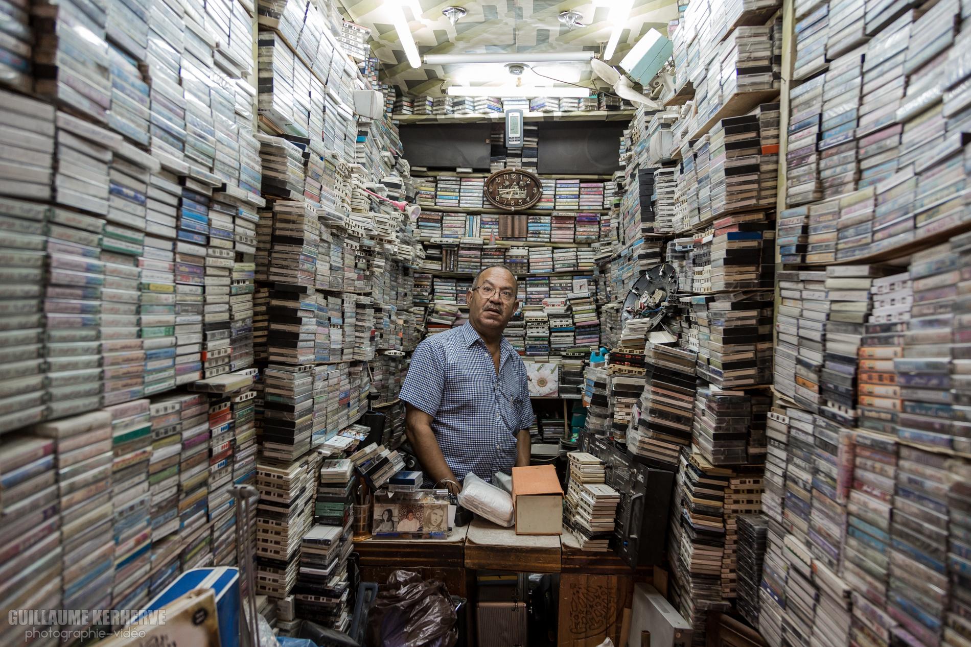 Vendeur de cassettes audio