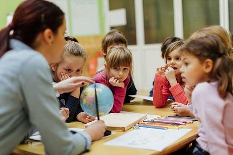 UNE-droit-enfants-education-970x647.jpg