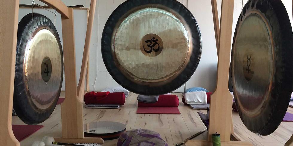 Gong Bath at Balanzs