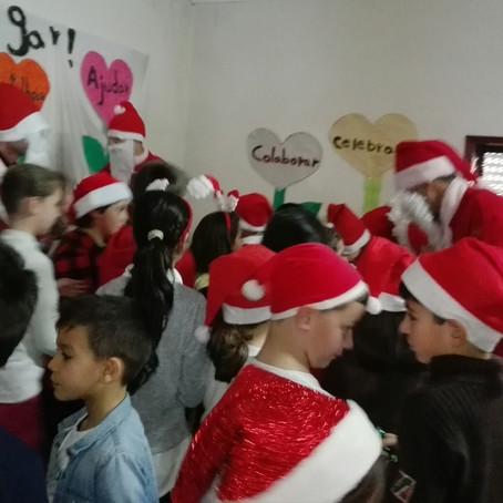Feirinha e festa de Natal na Escola de Palmaz