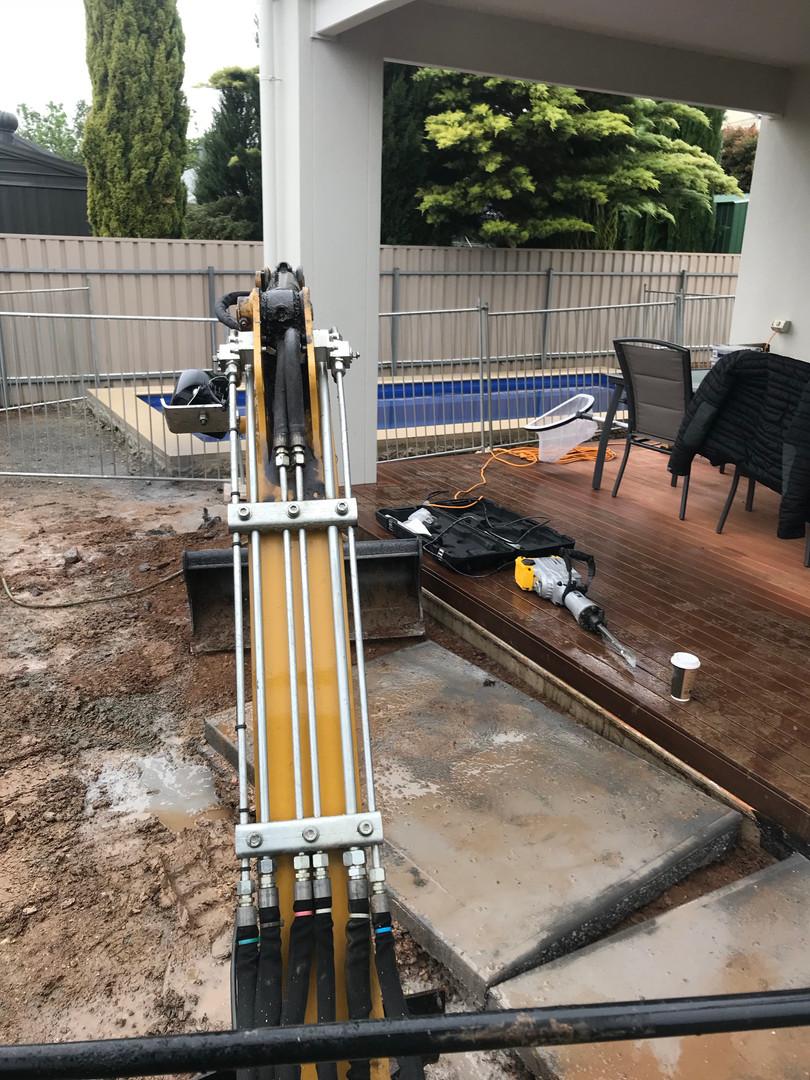 paving and concrete excavation Uniq Spac