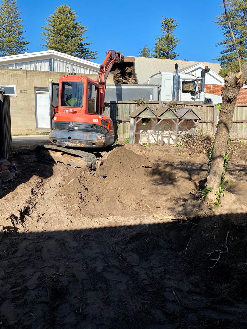 excavation and earthmoving adelaide.jpeg