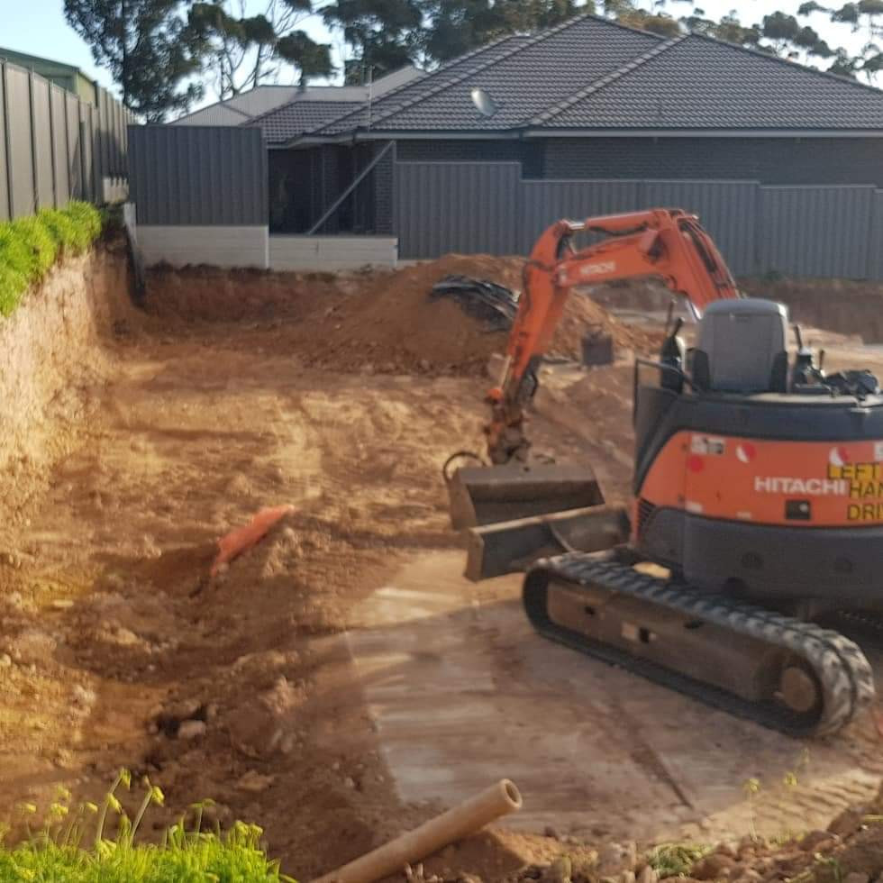 earthmoving and excavation adelaide.JPG