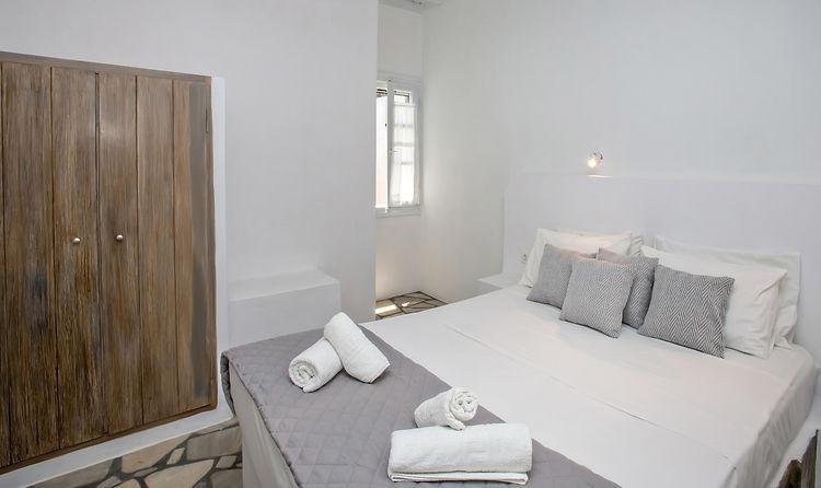 artemis apartments 1 (4).jpg