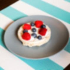 Rice Cake - Greek Yogurt & Berries (edit
