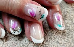 ongles fleurs.jpg