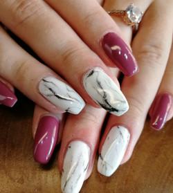 ongles marbres.jpg