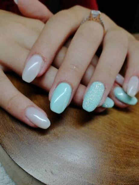 ongles bleu.jpg