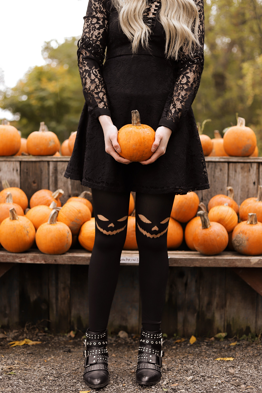 Tights, Fall Fashion, All Black Outfit, Modcloth, Bohme, DSW, Pumpkins, Fall, Fall Fashion,