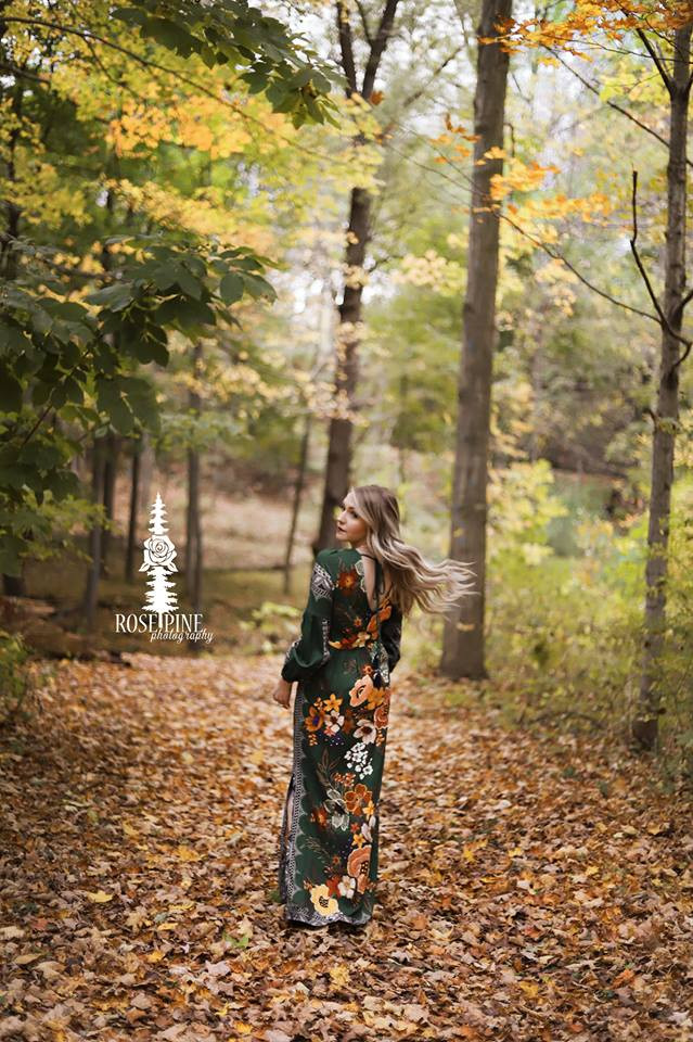 Blog, Blogger, Natural Beaded Row Extensions, Anthropologie, Fall, Holley Falls, Blonde, Fall Leaves,