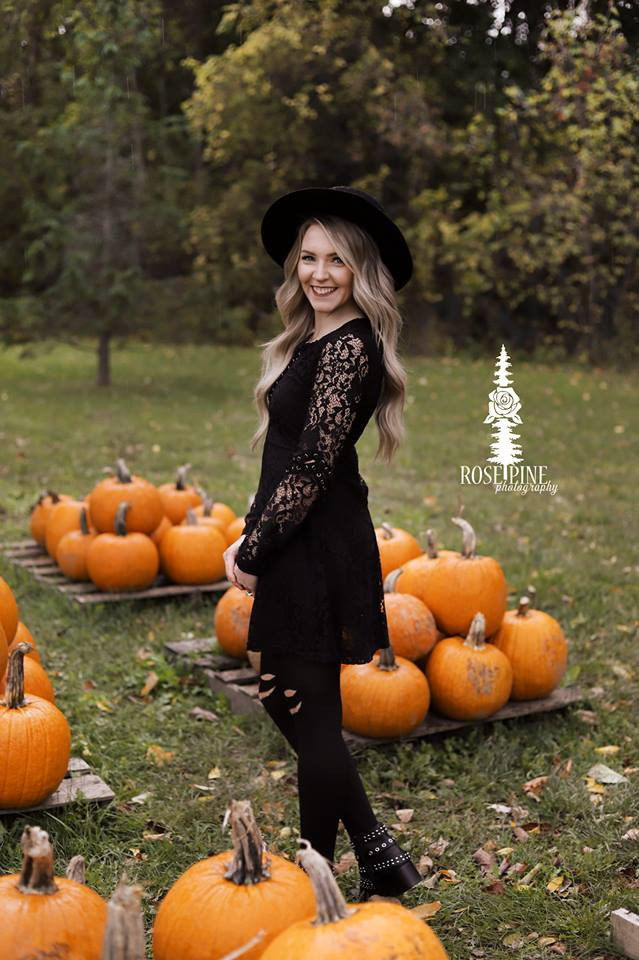 Blog, Blogger, Natural Beaded Row Extensions, Anthropologie, Fall, Holley Falls, Blonde, Fall Leaves, Rose Pine Photography, Pumpkins, Witch, Modcloth, Bohme