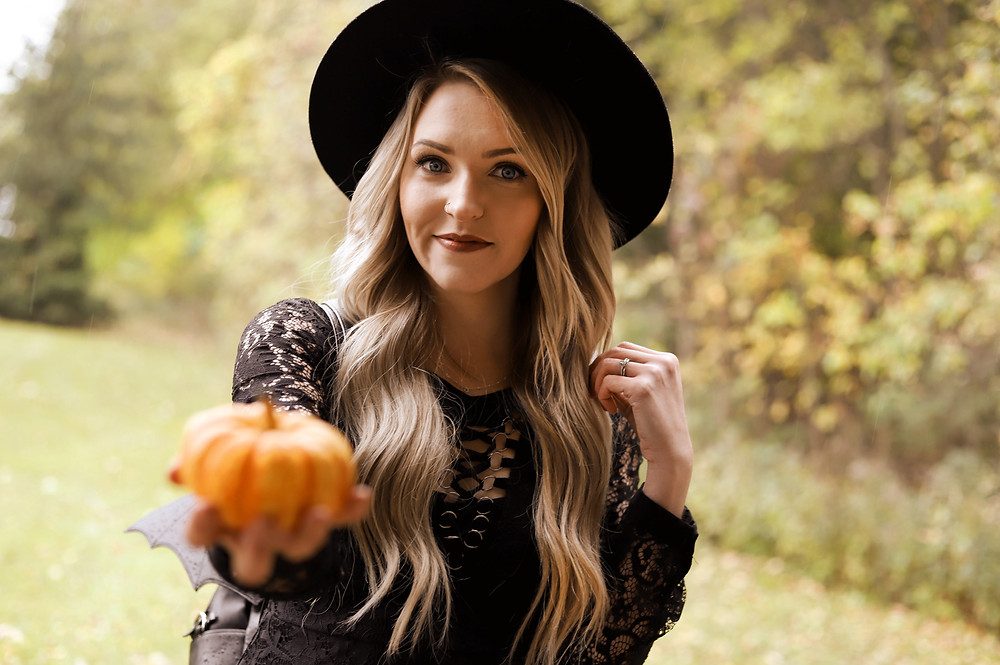 Modcloth, Hat, Hats, Pumpkin, Fall, NBR, Hair Extensions, Blonde, All Black Outfit, Fashion, Style, Style Blog, Fashion Blog