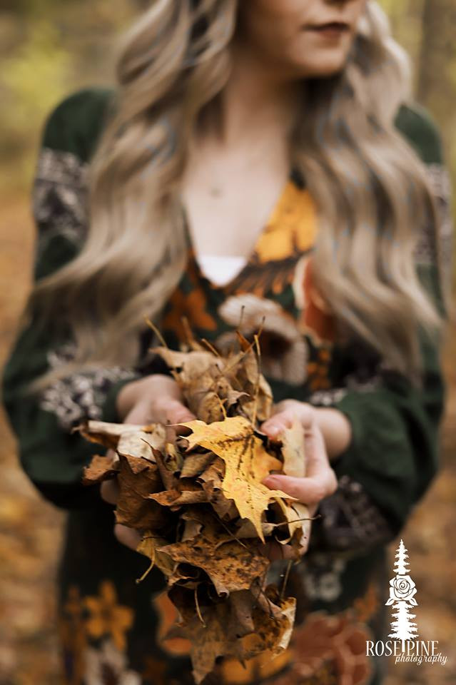 Blog, Blogger, Natural Beaded Row Extensions, Anthropologie, Fall, Holley Falls, Blonde, Fall Leaves, Rose Pine Photography
