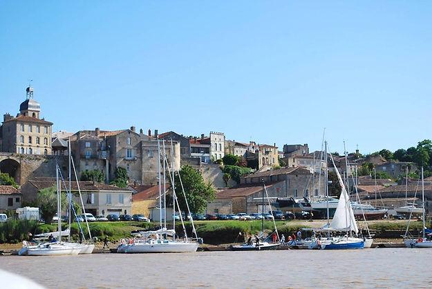 Bourg-sur-Gironde-c-OT-Bourg-Cubzaguais-