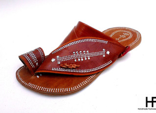 Saudi Sandals - Traditional Authentic Arabian Style Sandals .
