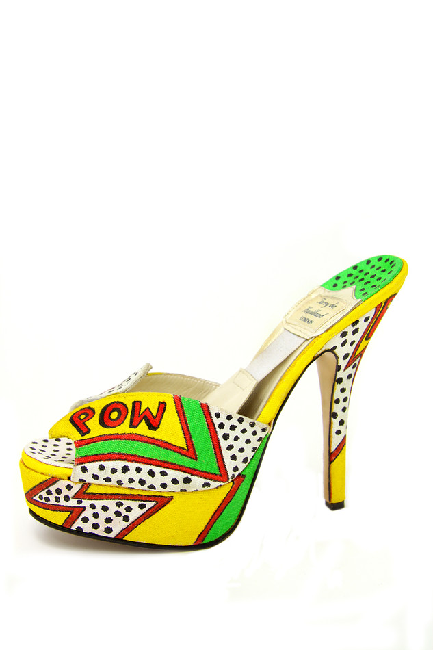 Amy Winehouse shoe