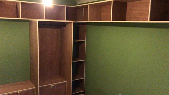 Open Bedroom Shelving/storage