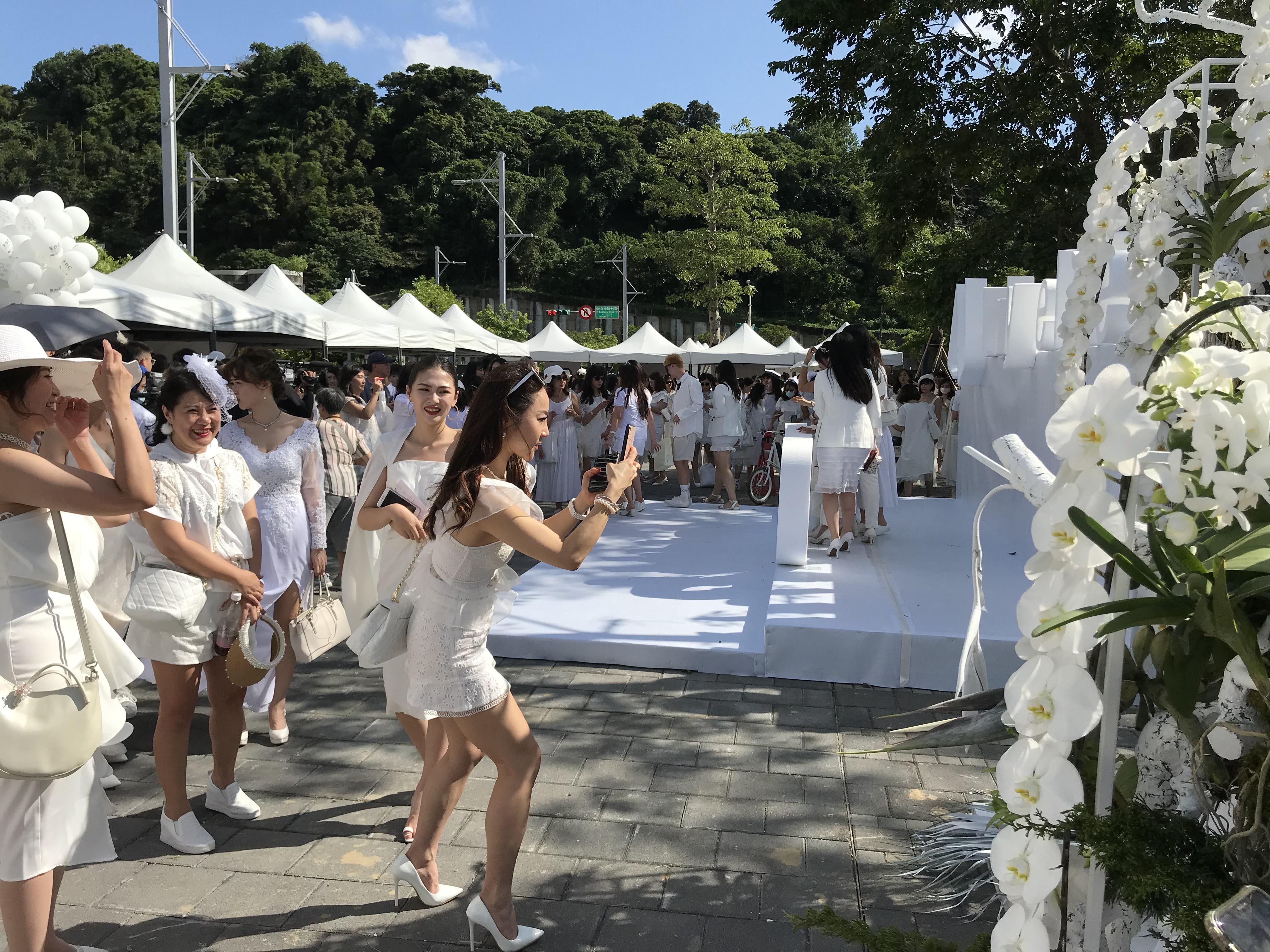 台北國際白色野餐活動