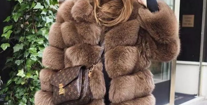 PELLICCIA DI VOLPE CON COLLETTO / FOX FUR WITH COLLAR