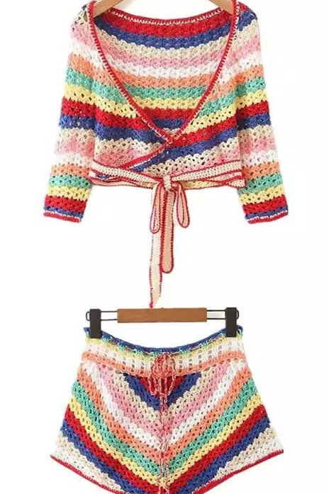 Completo Top e shorts colorati