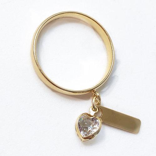 Anel semijoia folheada em ouro com pendentes de coração e plaquinha